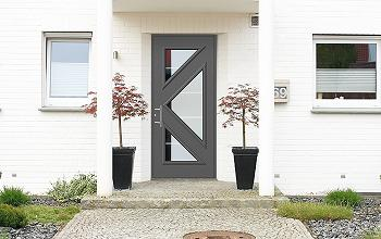 Porte d 39 entree aluminium matisse for Tringle porte d entree